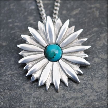 Daisy pendant with turquoise  necklace P24